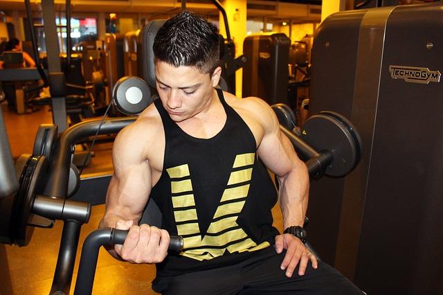 Faire des exercices de musculation